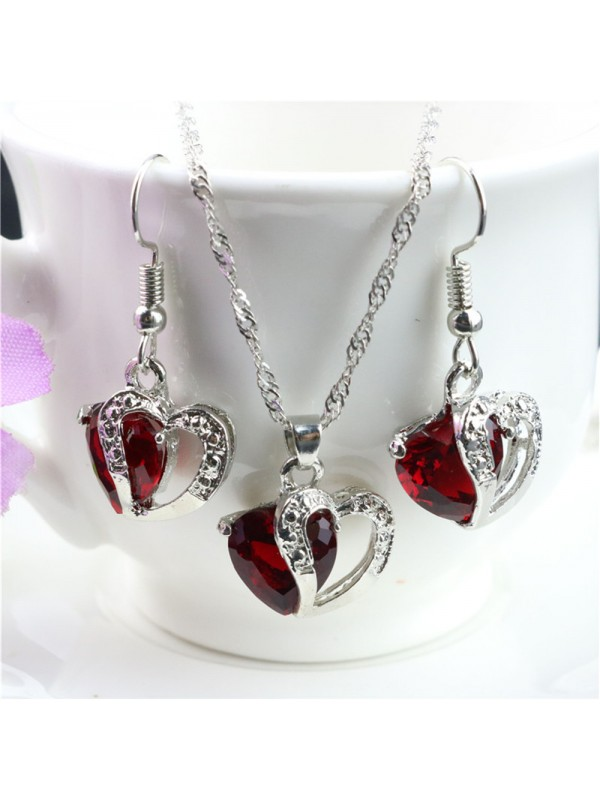 Love Heart Pendant Necklace And Earrings Set